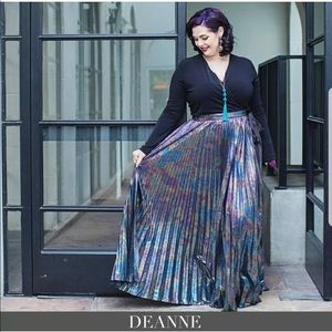 Lularoe oil slick deanne dress